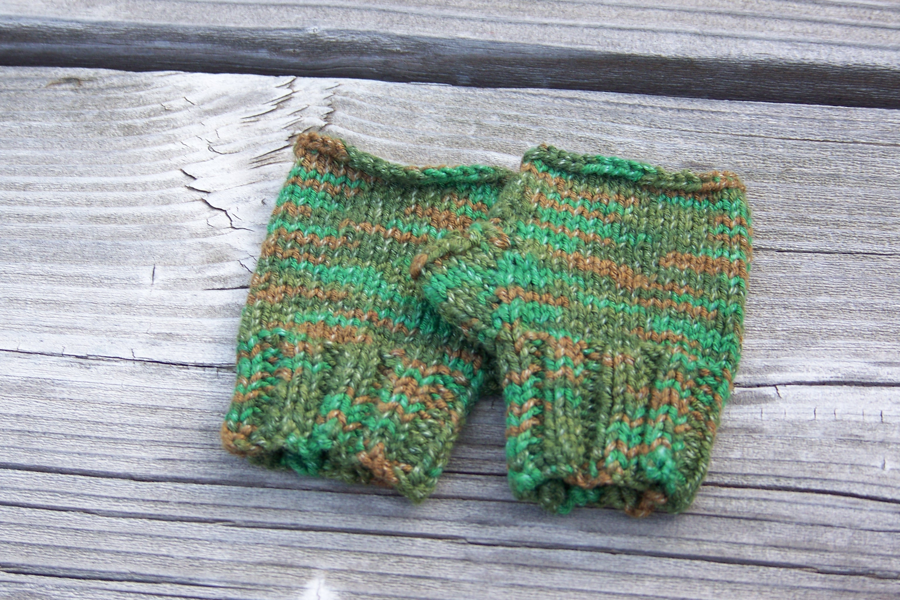 Wheelchair mittens in forestland green