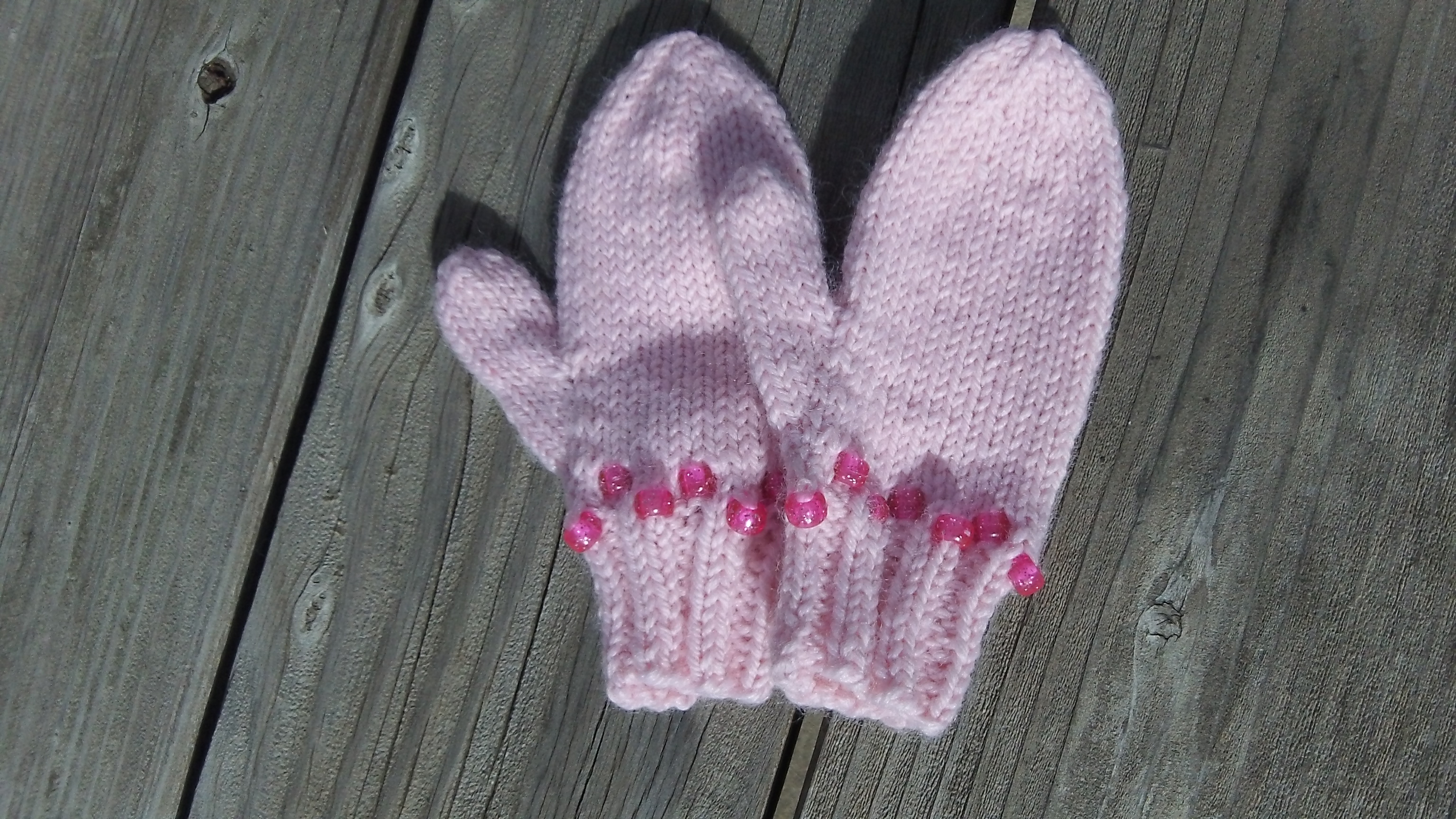 Wintermittens with washable bling